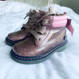 Other - 🎀 seriously the most adorable glittery boots 🎀